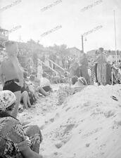 Beach life-1920/30-Fashion-Cute Happy young-Boy-Men-Girl-trunks-swimsuit-nude-9