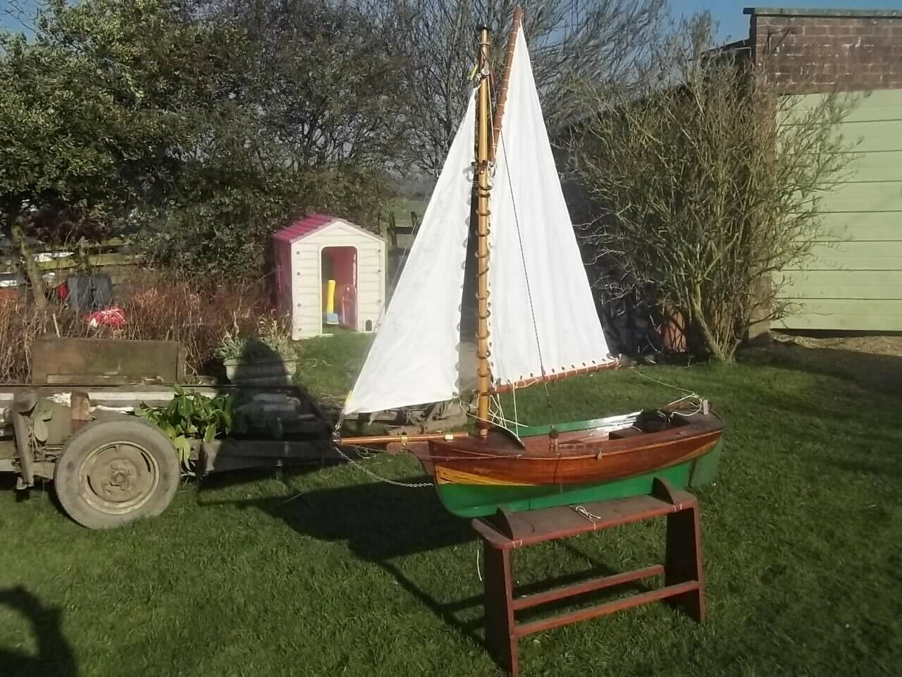 VINTAGE LARGE WOODEN SAIL BOAT, DINGHY, YACHT,GAFF RIG,FREE SAILING, WITH STAND