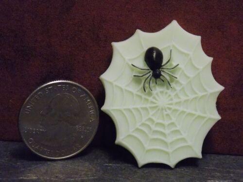 Dollhouse Miniature Halloween Spider /& Web 1:12 inch scale J21 Dollys Gallery