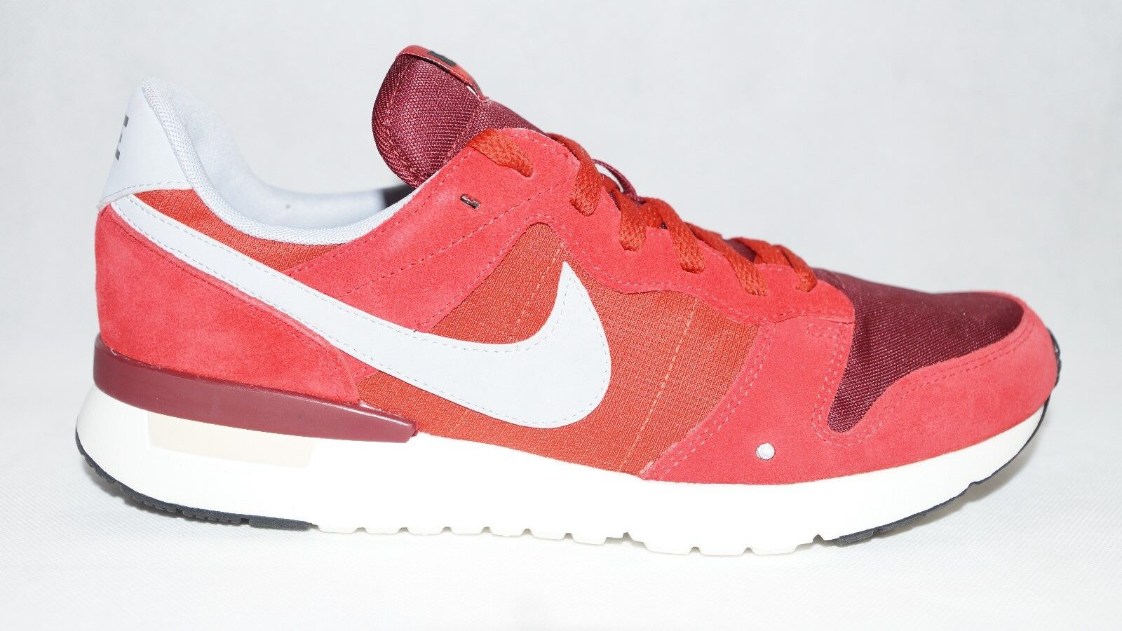 Nike Archive `83.M Game Red/Wolf Grey