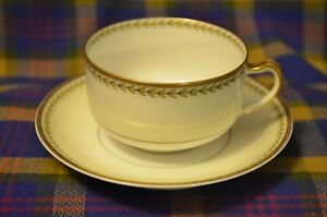 Beautiful-Vintage-HAVILAND-amp-CO-034-Limoges-034-Gold-Trimmed-Cup-amp-Saucer-France