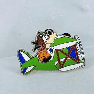 Disney-Pin-29207-WDW-Travel-Company-2004-Pilot-Goofy-in-an-airplane