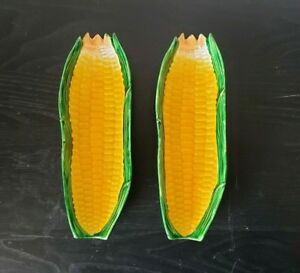 Two-Vintage-9-034-Pottery-Corn-on-the-Cob-Shaped-Plates