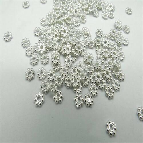 100 Pcs x 4 mm Plaqué Argent Fleur//Snowflake Spacer Beads Findings