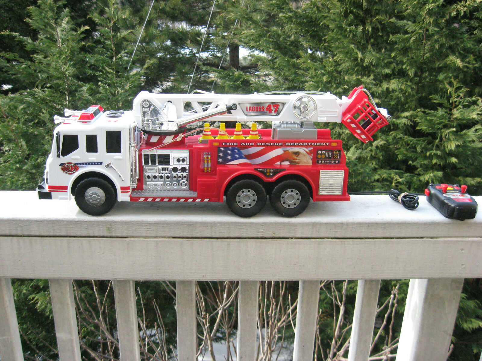 Fast Lane 22 1 2   Remote Controlled Fire And Rescue Department Fire Truck