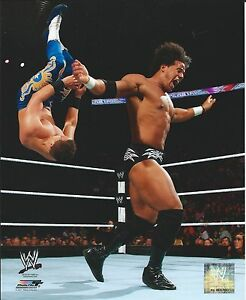 DARREN-YOUNG-WWE-WRESTLING-8-X-10-LICENSED-PHOTO-NEW-672