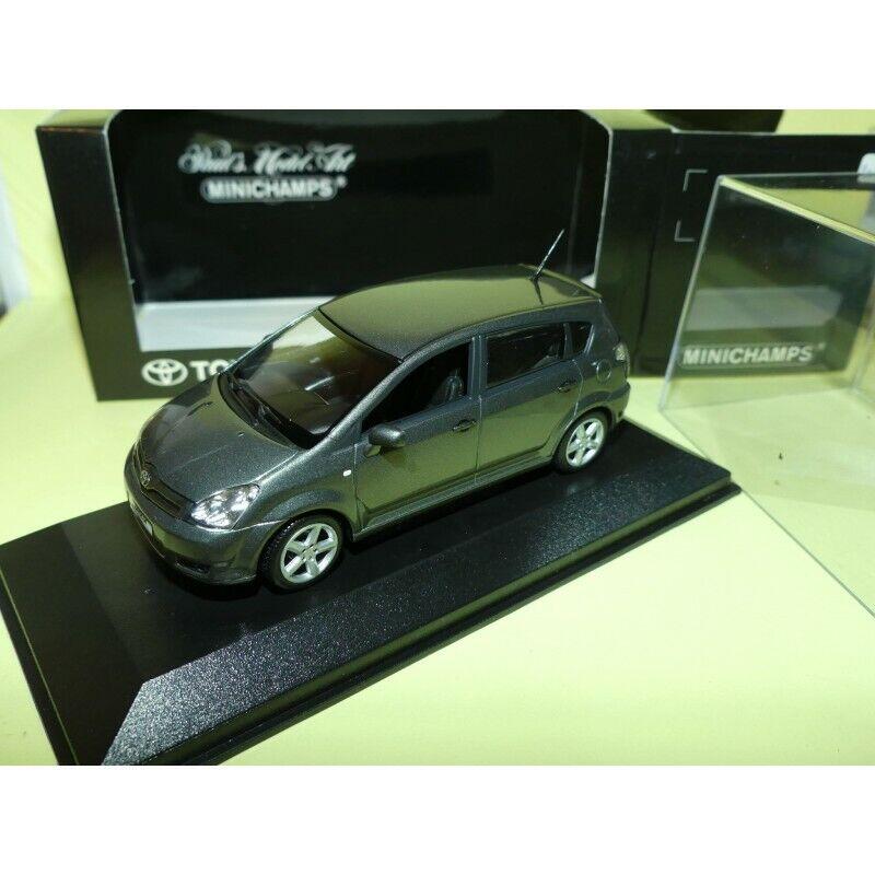 Toyota cgoldlla verso minichamps grey 1 43