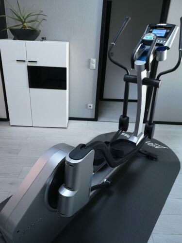 Lifefitness Crosstrainer  X7 Profigerät mit Advance Console Flexpedal Shockproof
