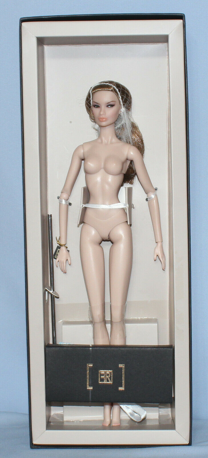 Nude Integrity Spielzeugs FR 2016 Emerging Rebel Kyori Sato With Box, Stand, COA