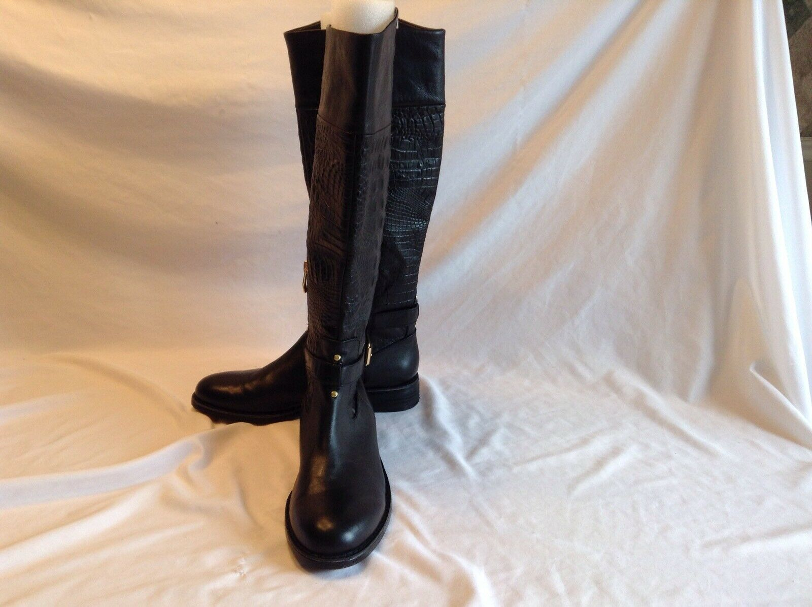 Vince Camuto ladies black leather knee high riding boots in size 8 medium