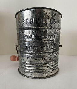 Vintage-Bromwell-039-s-3-Cup-Flour-Sifter-Hand-Crank-Kitchen-Utensil-Made-in-U-S-A