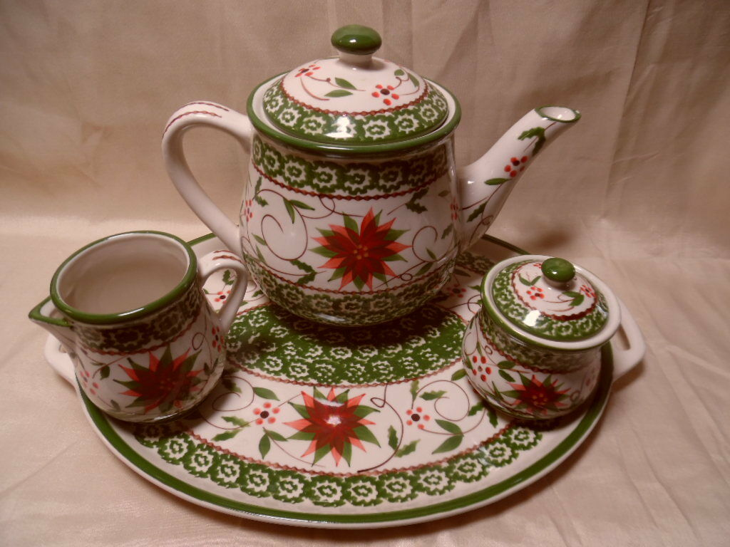 Temp-Tations-Viejo-Poinsettia - 6-pc Té World Set