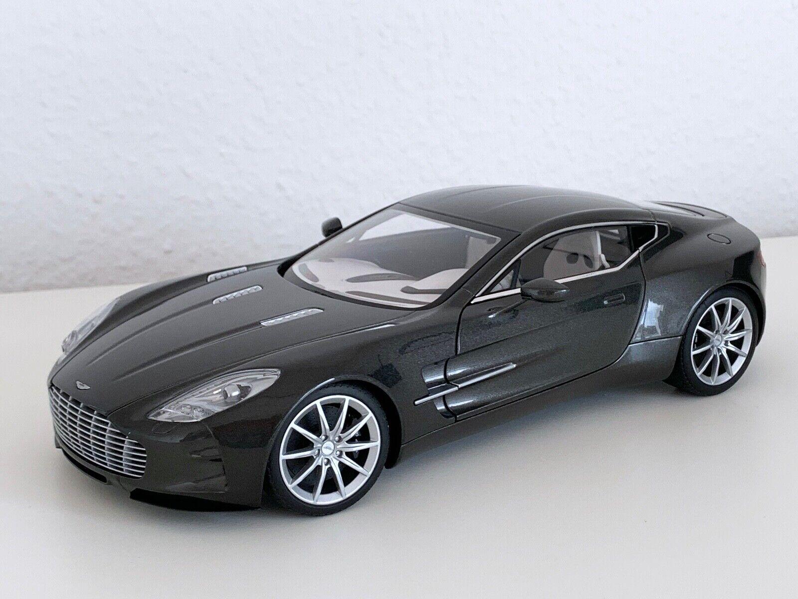Autoart 70242 1 18 Aston Martin One-77 (Spirit grau) OVP
