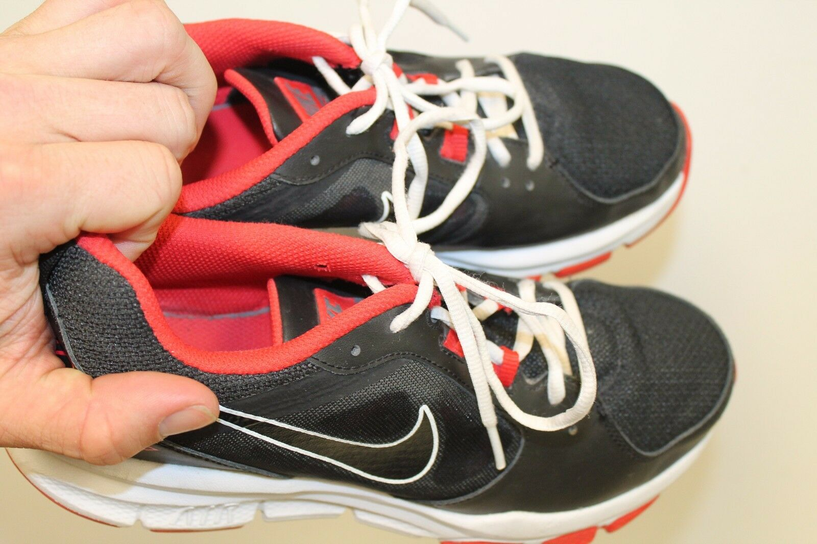 a01ae31189e ... NIKE NIKE NIKE AIR VELOCITRAINER MEN S RUNNING SHOES SZ 9.5 554891-008  6bc131