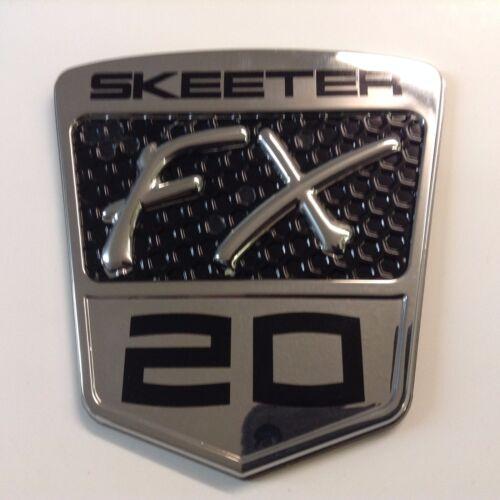 """Skeeter Boat FX20 Chrome Emblem 4/"""" x 4 1//4/"""" Windshield Black//Silver  91171510"""