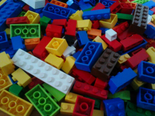 200 LEGO BRICKS  JOBLOT