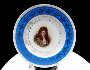 """VICTORIA AUSTRIA CARLSBAD DUFORE SIGNED GRAND DAUPHIN BLUE AND GILT 8 3/8"""" PLATE"""