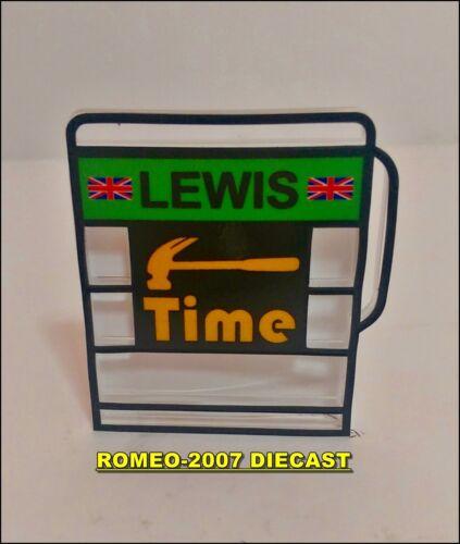 1:18 Pitboard Formula 1 Lewis Hamilton Mercedes Hammer Time 2014 to minichamps