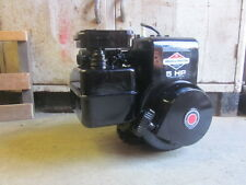 5 Horsepower Briggs and Stratton small gas engine