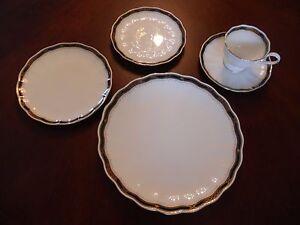 Mikasa Hardwick Ah003 Rouille Et Or Porcelaine 5 Pièces Place Setting-afficher Le Titre D'origine Dhhkx6kp-07220324-591119202