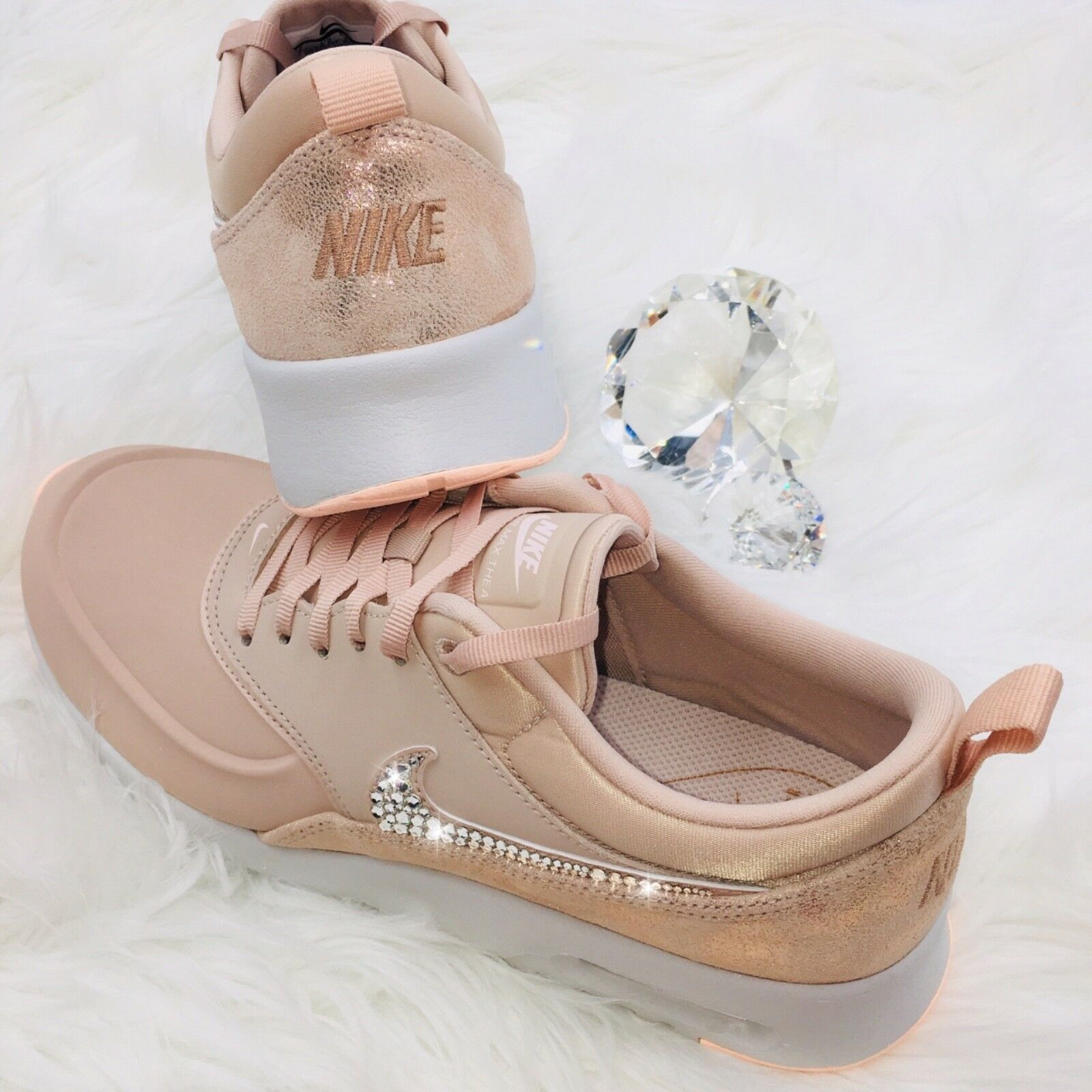 Bling Nike Air Max Thea Premium chaussures w Swarovski Crystal Swoosh LUXE Rose or