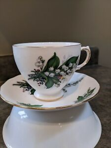 Queen-Anne-teacup-and-saucer
