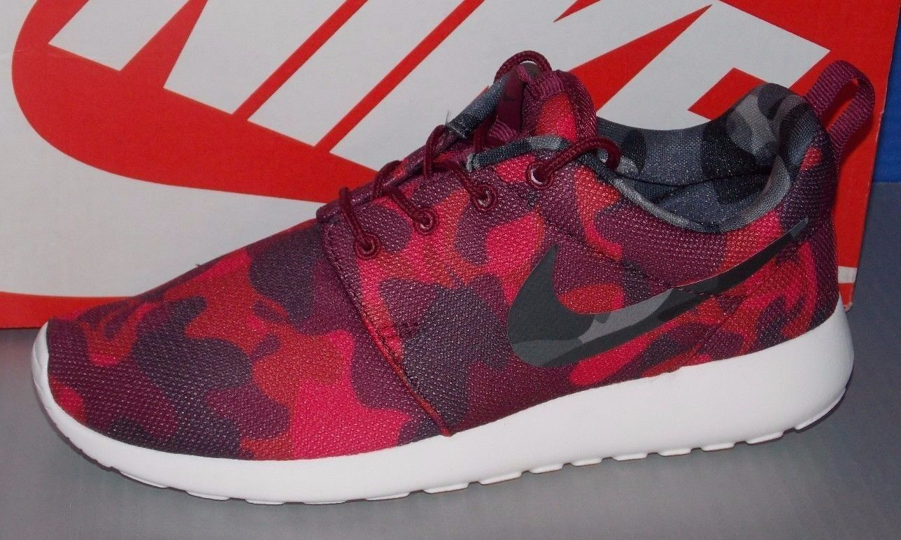 WMNS NIKE ROSHE ONE PRINT in colors GARNET / BLACK / RED / BERRY SIZE 6.5