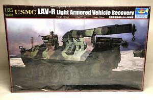 Trumpeter-USMC-LAV-R-Light-Armored-Vehicle-Recovery-1-35-Model-00370-SEALED