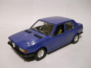 Alfa-Romeo-Giulietta-1-6-1-24-Burago-BBurago