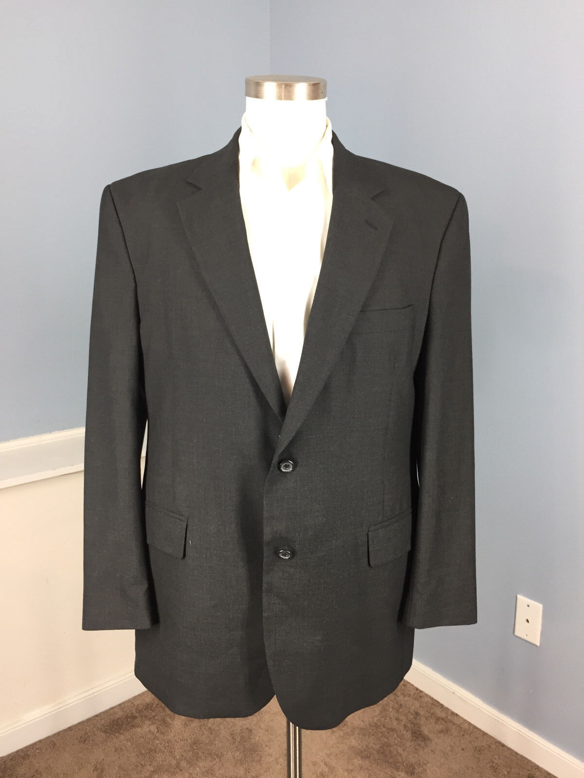 JOS A BANK Charcoal grau Suit 44 R 100% wool Excellent flat front 37 W