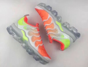 16805074ec2f1 AO4550-003  WOMEN S NIKE AIR VAPORMAX PLUS SHOE BARELY GREY TOTAL ...