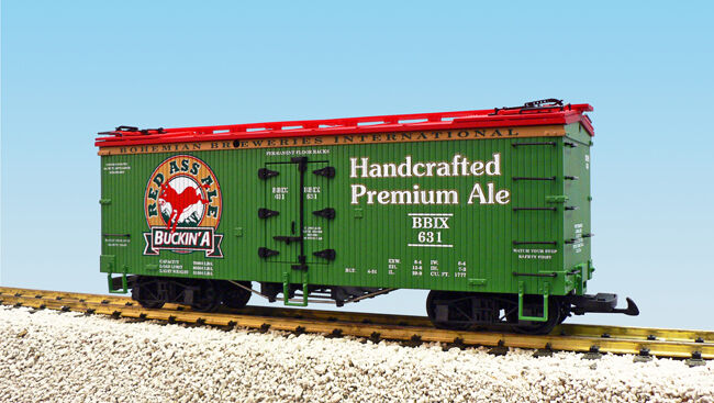 USA Trains G Scale U.S. REEFER CAR R16438 Red Ass Ale (Rd ) – Green Red