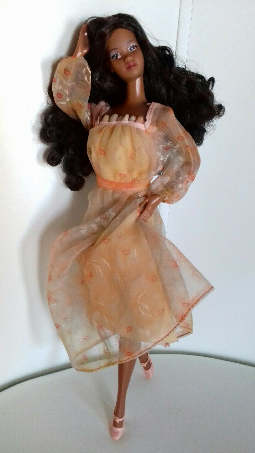 Bellissima Barbie Superstar Dee-dee in outfit ankle strap Christie kissing 1979