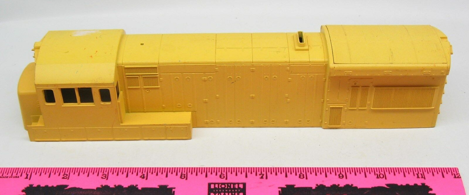 Lionel  yellow Diesel shell