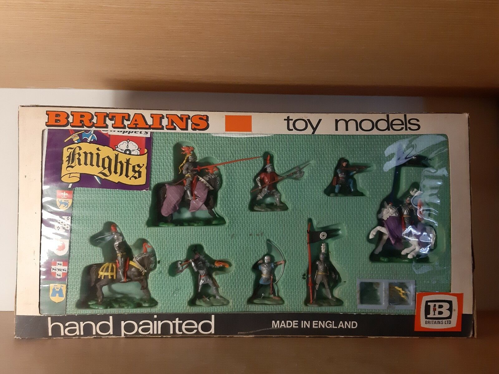 RARE BRITAINS Knights - hand painted toy models