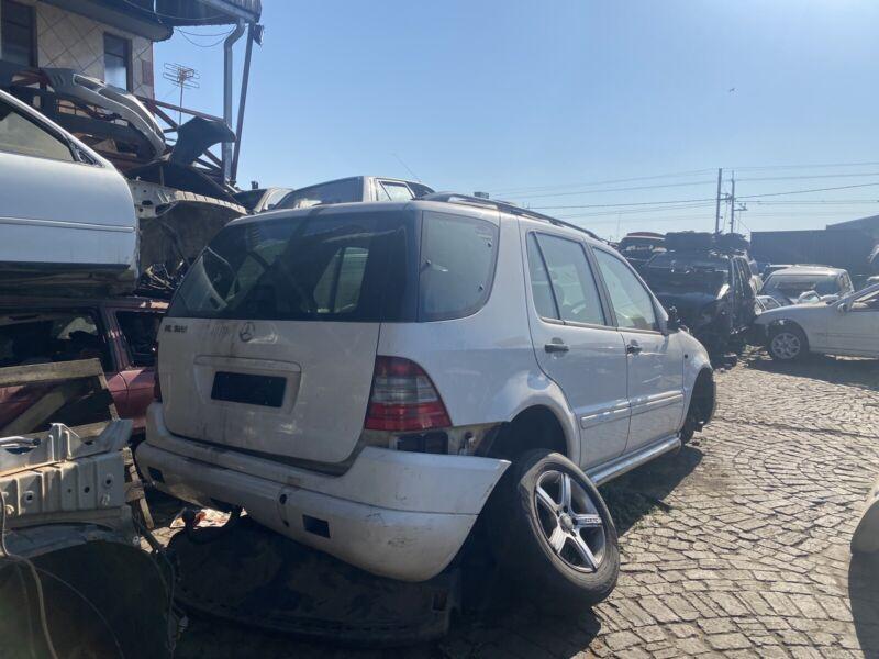 Mercedes Ml320 v6 patrol stripping for parts
