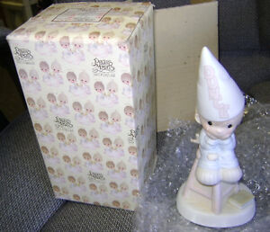Precious Moments Figurine e9268 ln box Nobody/'s Perfect