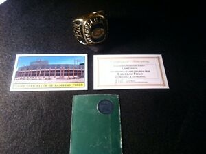 Green-Bay-Packers-Trophy-Ring-amp-Authentic-Piece-of-Lambeau-Stadium-COA