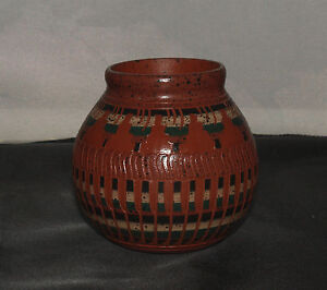 Medium-Pot-by-Elaine-Begay-Navajo