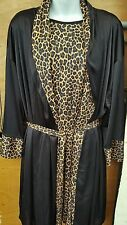 KNEE LENGTH 2 PIECE LEOPARD NIGHTGOWN AND ROBE SET  SIZE XL