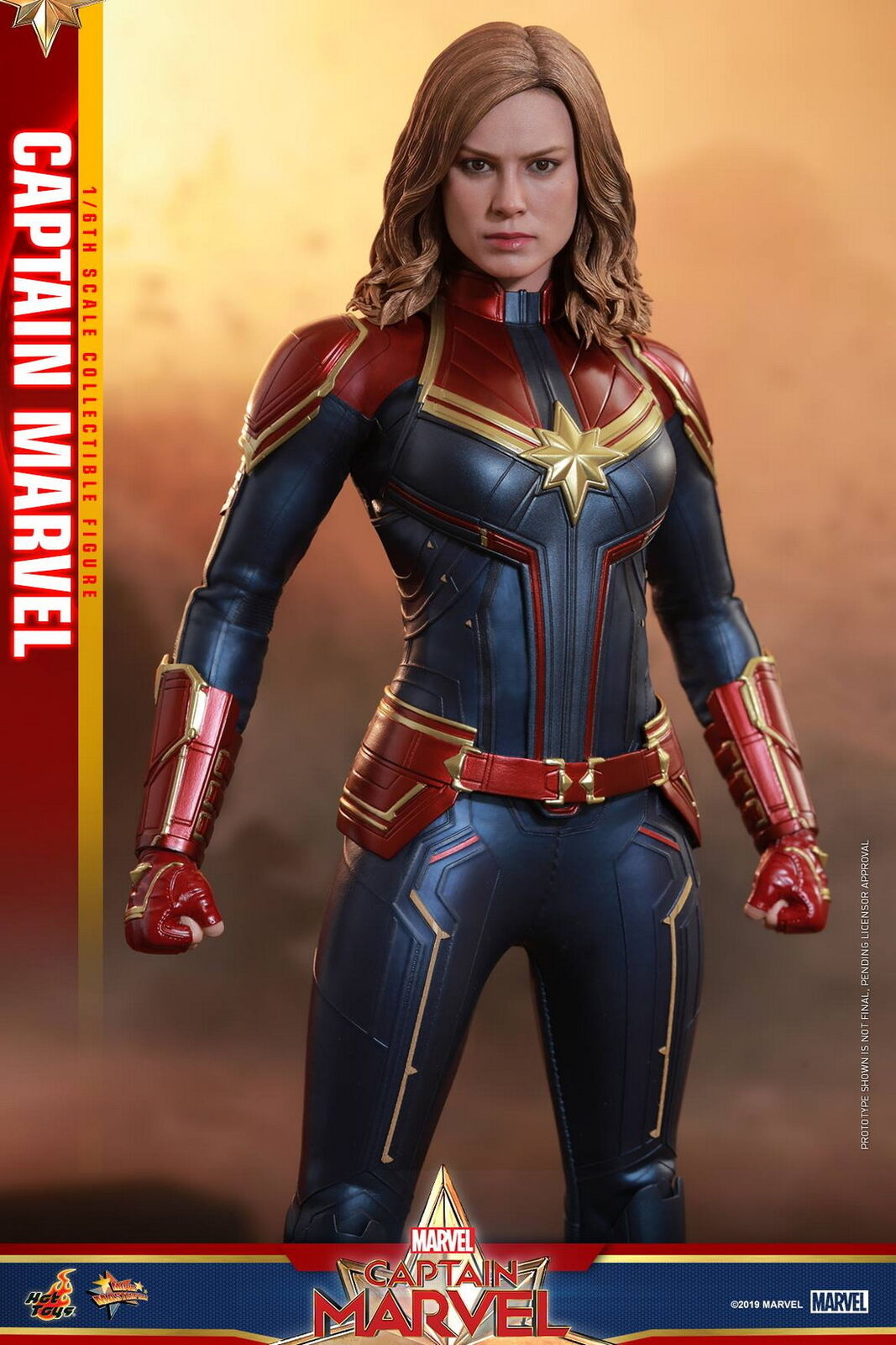 Hot Toys 1 6th scale Captain Marvel Collectible Figure MMS521