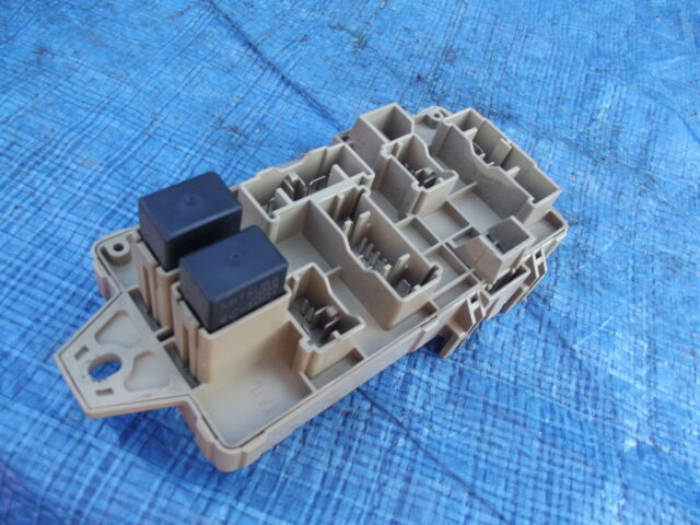 Lower Dashboard Fuse Box From Subaru Impreza Gc8 2 0 Sport