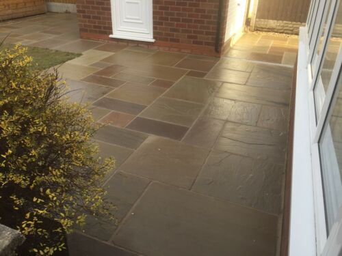 PRICE INCLUDES VAT 18-25mm Raj Green Indian Sandstone Paving Patio Slabs