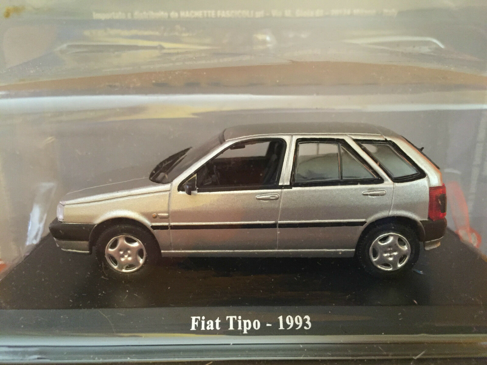 DIE CAST   FIAT TIPO - 1993    + TECA RIGIDA BOX 2 SCALA 1 43