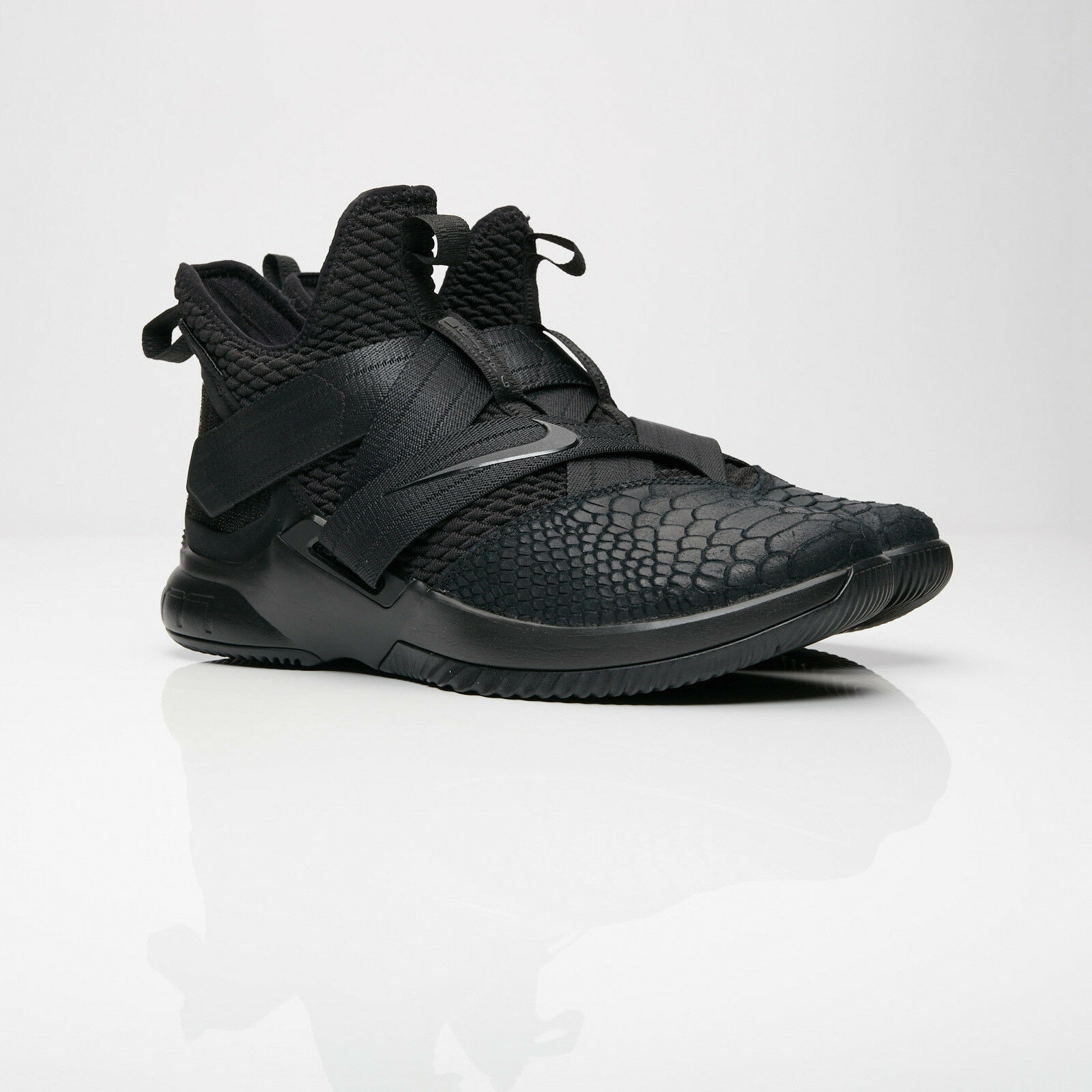 hommes Nike Lebron Soldier XII couplant Basket Noir Taille 8-13 New in Box AO4054-003