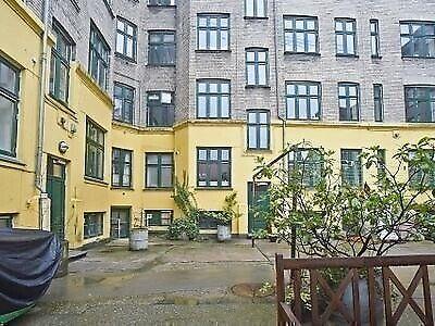 2200 værelse, kvm 17, mdr forudbetalt leje 14700