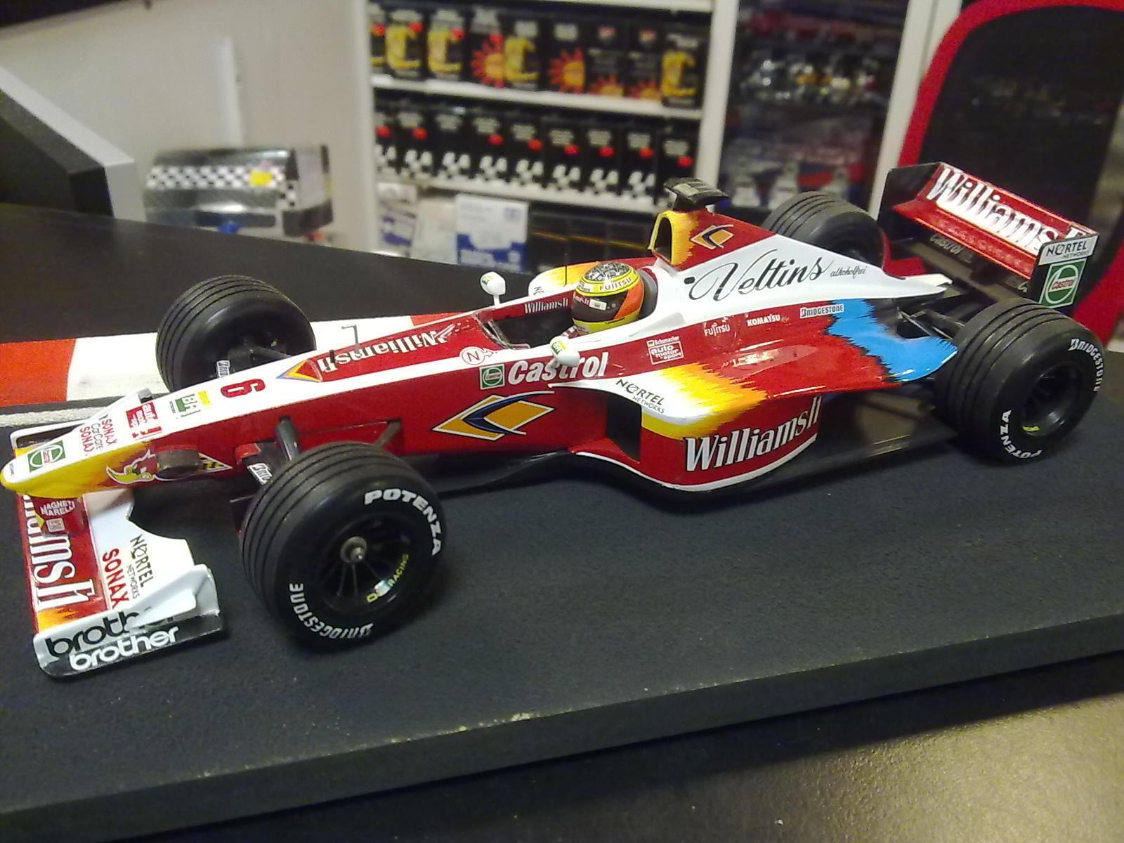 Williams  Supertec FW21 1999 1 18  6 Ralf Schumacher  design simple et généreux