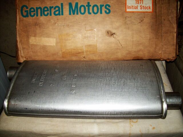 NOS GM Oldberg muffler 1971 & 72 Pontiac full size w/single exhaust pn 481681