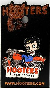 HOOTERS BETTY BOOP GIRL STRETCHING IN UNIFORM ENAMEL LAPEL PIN NEW