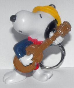 Snoopy-Playing-Guitar-Olympics-Figurine-Key-Chain-Peanuts-Figure-SNPK018